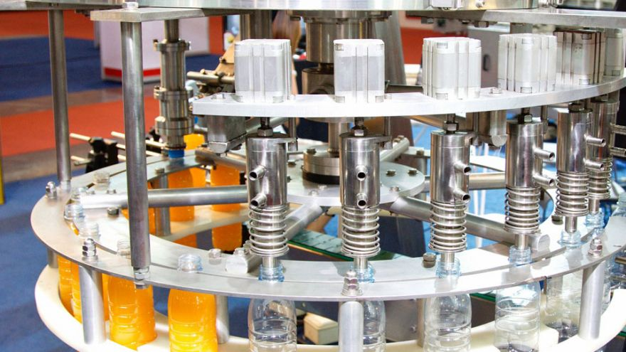 Packaging machine using a slip ring